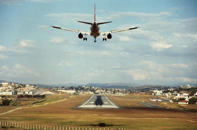 Inquinamento dell'aria causato dagli scarichi degli aerei