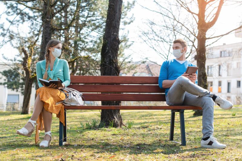 Distanziamento sociale e mascherine